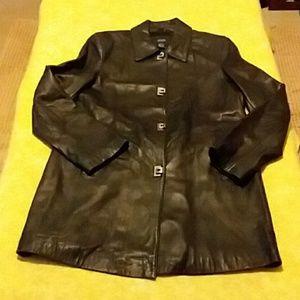 Stunning 100% genuine leather coat